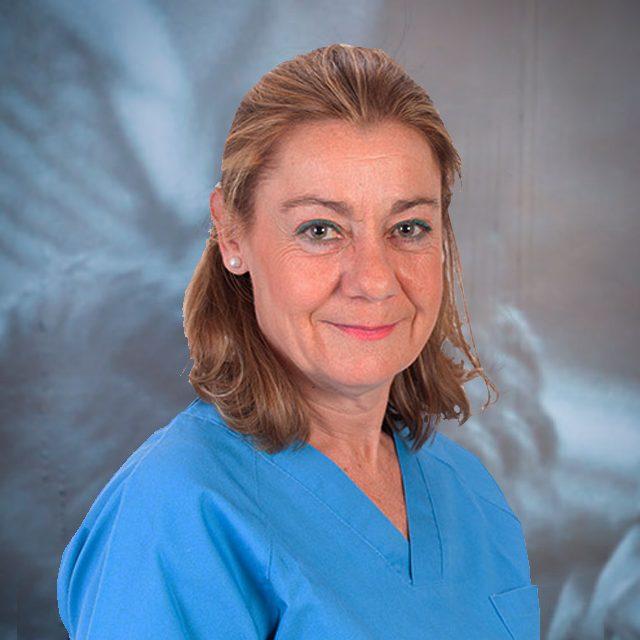 <a href='https://clinicadentalsorias.com/dr-ana-garcia/' >Dr. Ana García</a>