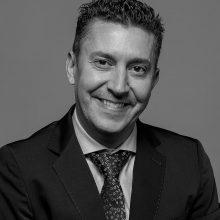 <a href='https://clinicadentalsorias.com/dr-antonio-jimenez-garrudo/'>Dr. Antonio Jiménez Garrudo</a>