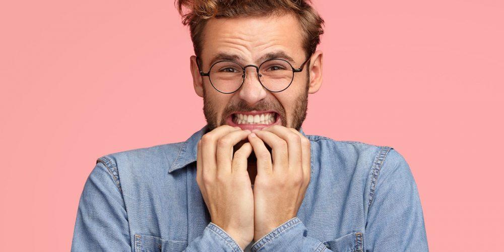 Cómo el estrés del Covid-19 está causando un aumento del bruxismo y rotura de dientes