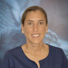 <a href='https://clinicadentalsorias.com/dra-rosa-calama-gonzalez/'>Dra. Rosa Calama González</a>