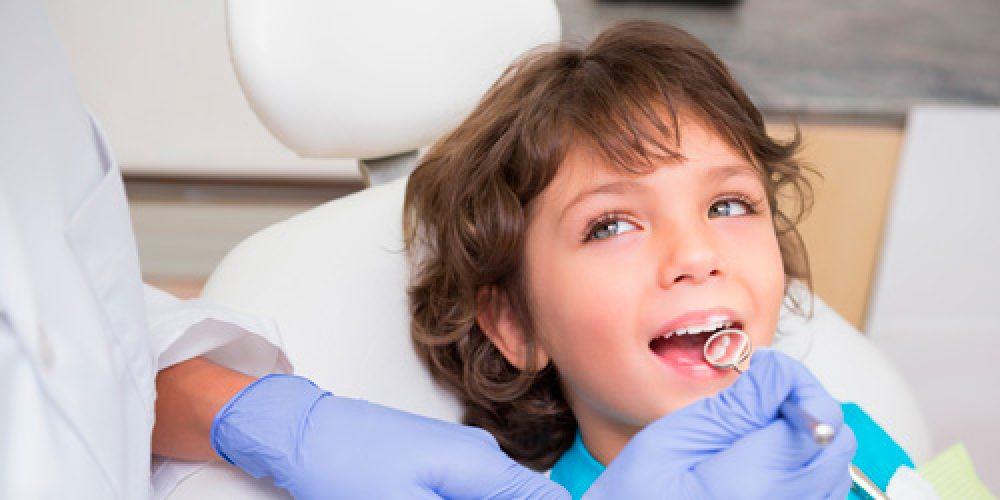 Cuándo realizar la primera visita al dentista